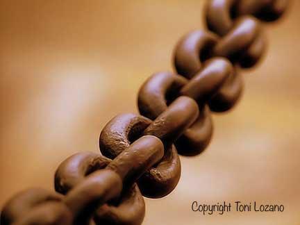 chain-Toni Lozano