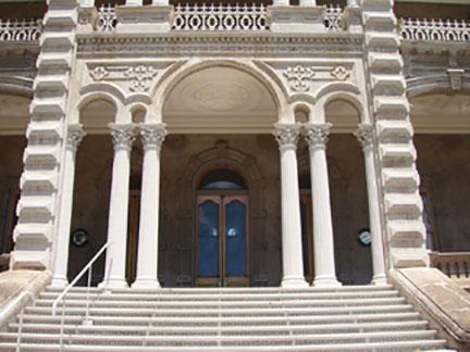 doors a grand entrance